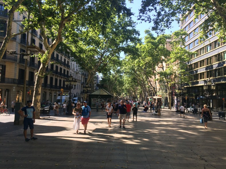 The beginning of Las Ramblas early in the morning