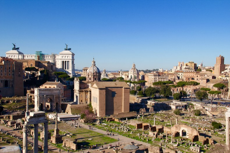 The ruins of the Roman Forum - The Traveling Storygirl