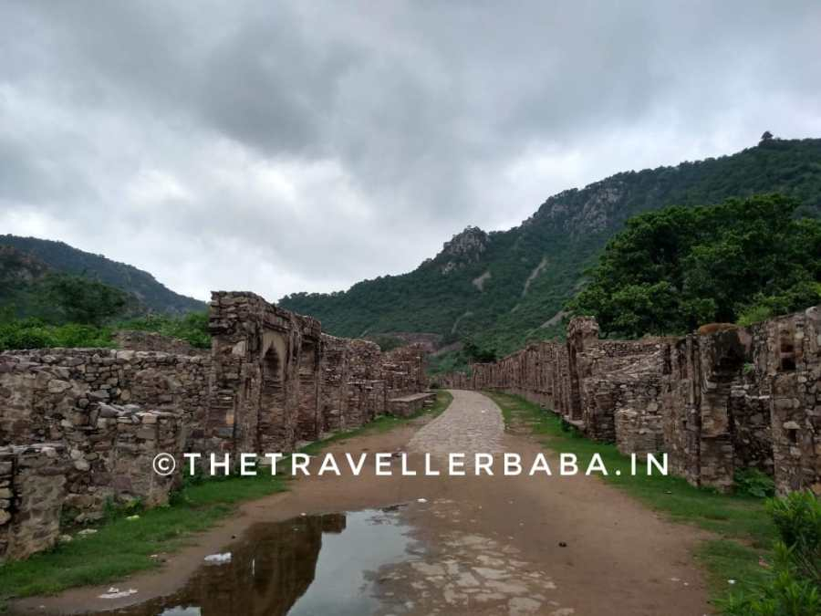 Bhangarh fort, the path to the main building of the fort.