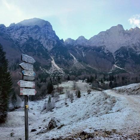Signpost, Sentiero Dei Grandi Alberi, Vicenza Province, Veneto, Italy