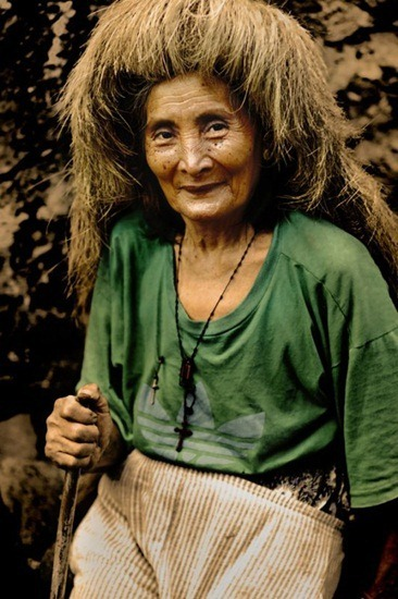old woman with a vakul