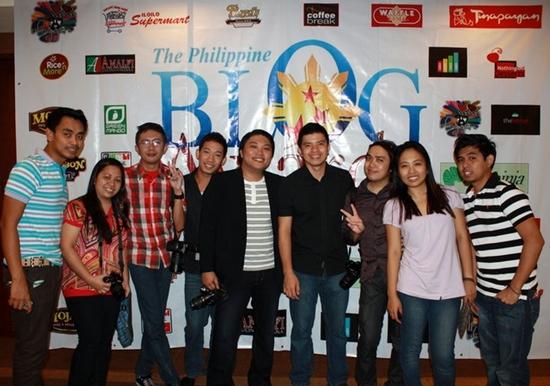 Cebu based bloggers at the Visayas Blogging Summit