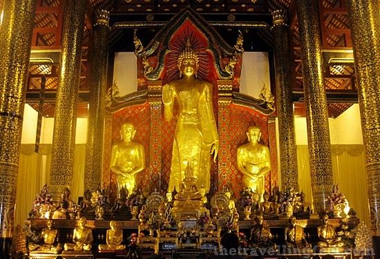 Wat Chediluang Varaviharn, a beautiful temple in Chiang Mai, Thailand