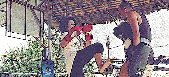TutuOnTheRun's First Whack At Muay Thai