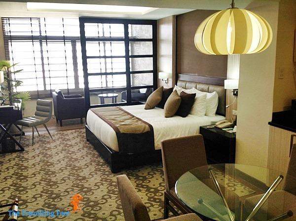 Deluxe Suite at brent wood suites quezon city