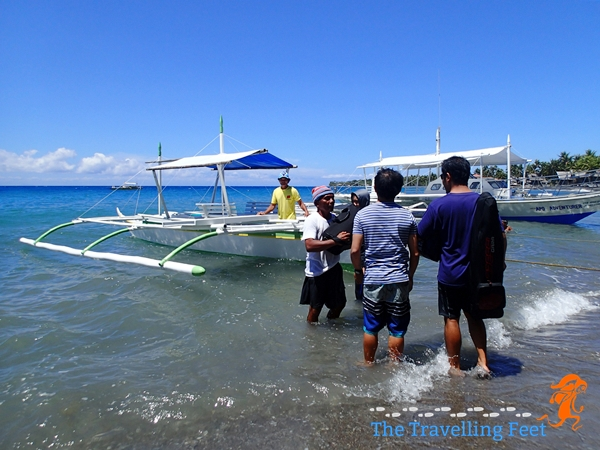 boat rentals going to apo island