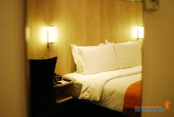 bed at kl holiday inn express