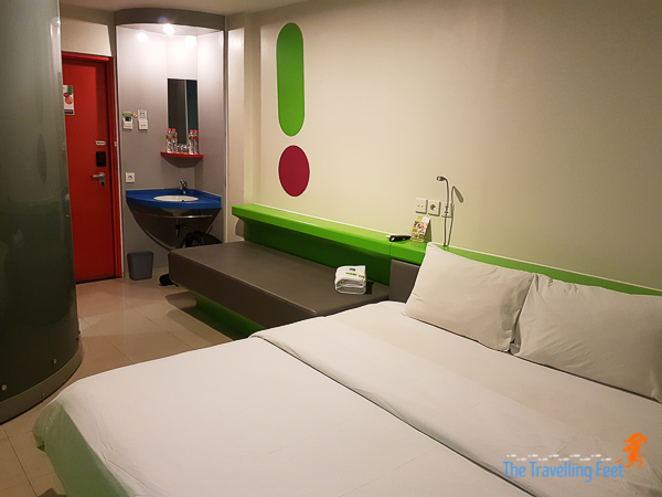 pop hotel kuta beach room