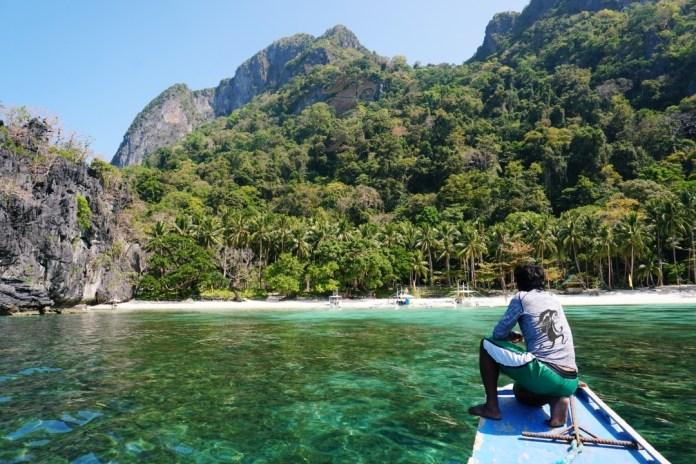 Island hopping tours in El Nido Palawan