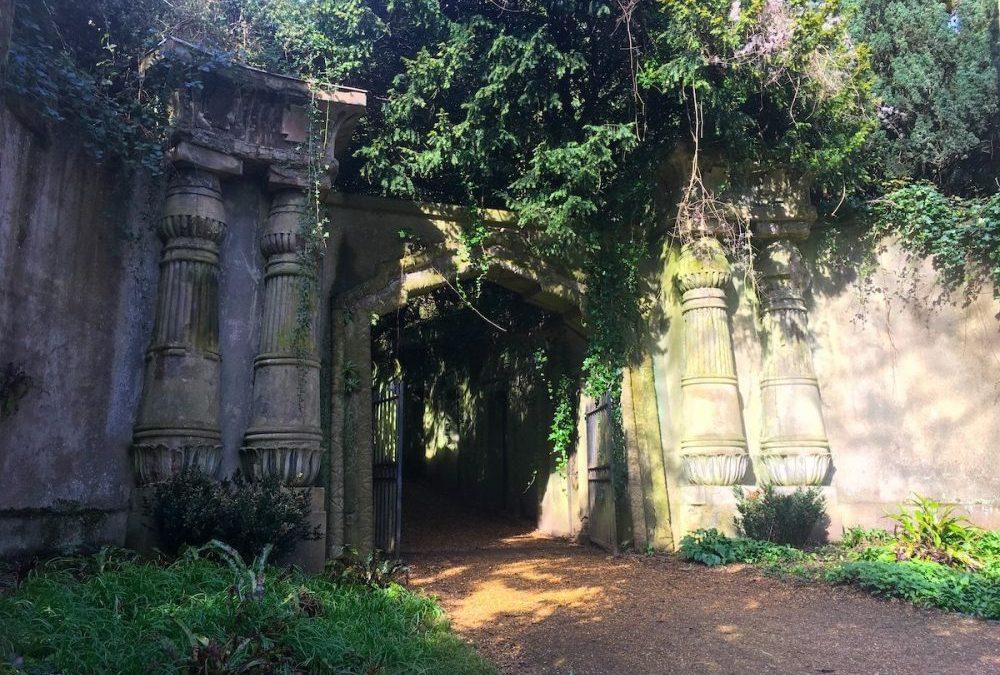 In visita al cimitero di Highgate a Londra