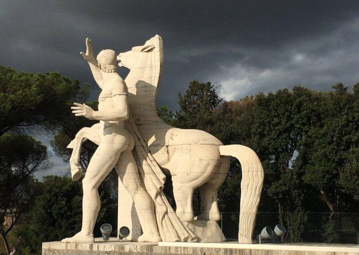 Uno dei gruppi scultorei dei Dioscuri