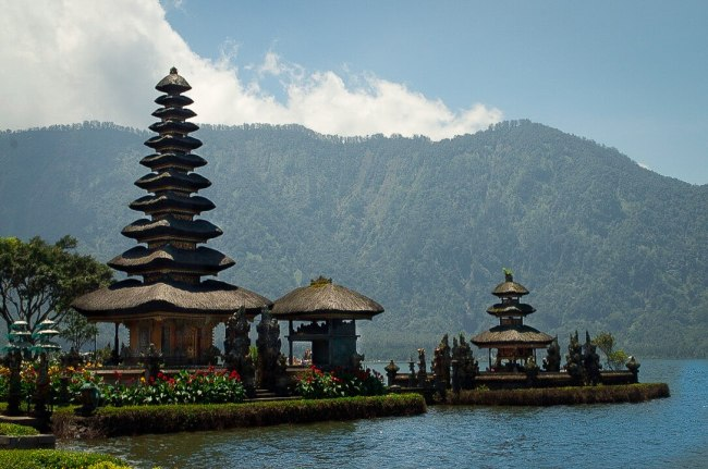 Bali Golden Tour - Ulun Danu Beratan temple in Northern Bali, Indonesia