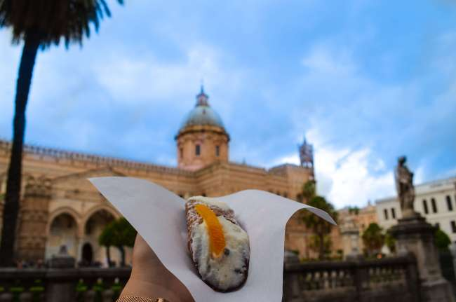 Palermo street food tour with Streaty - Cannoli and Palermo cathedral