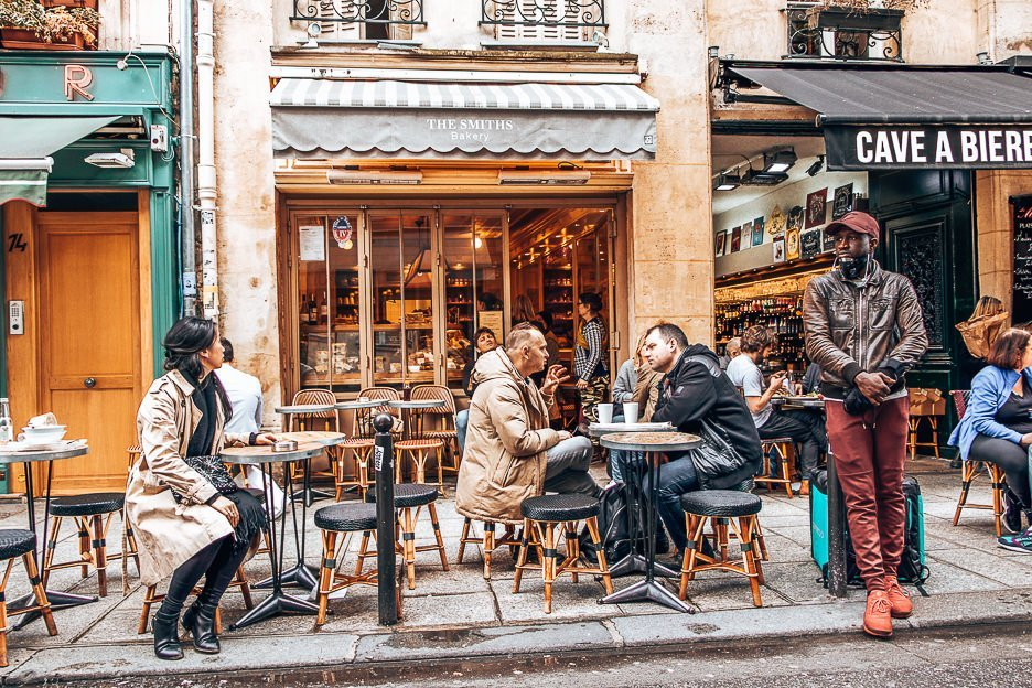 Lunch break at the Smiths Bakery, Paris - Travelling As A Couple