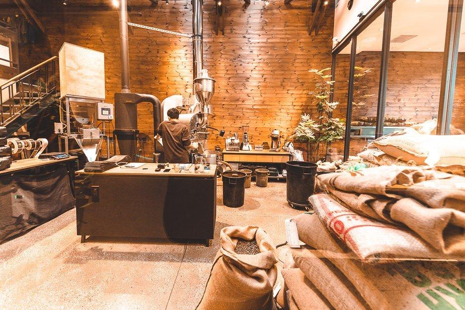 Roasting machine coffee beans at Allpress Roastery | best specialty coffee in Tokyo