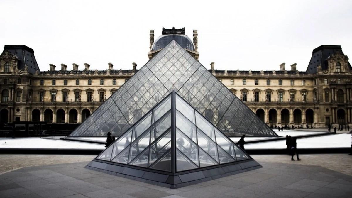 Visit La Louvre, Paris itinerary
