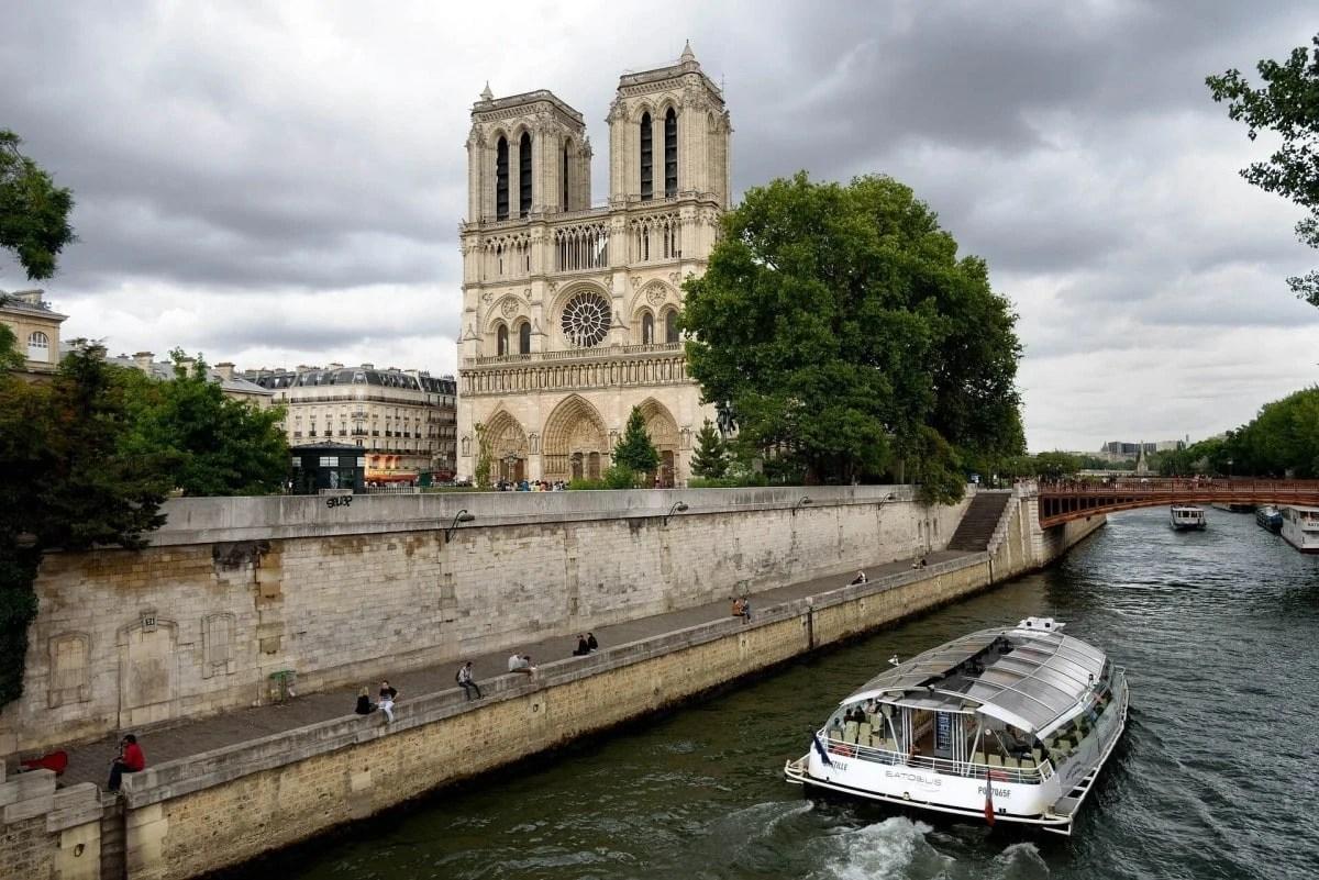 Take a cruise on the River Seine, Paris