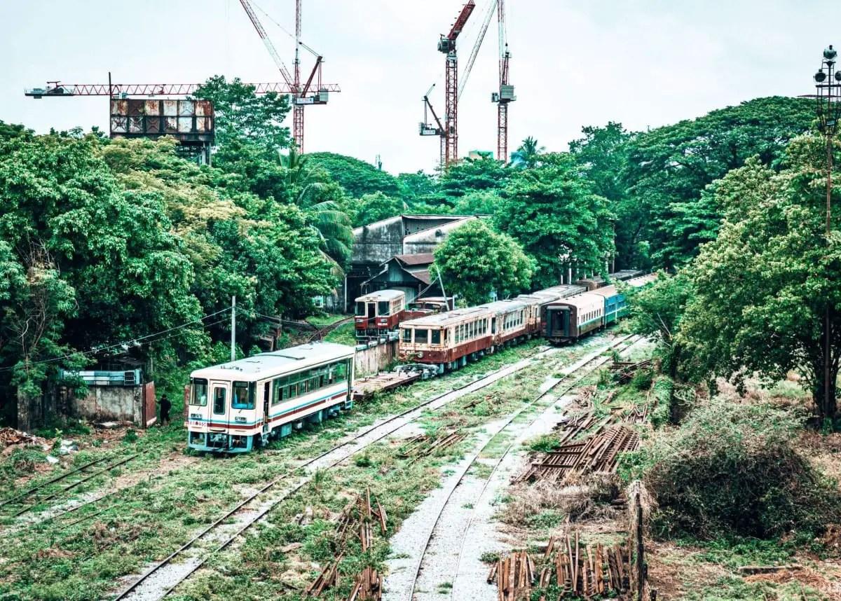 Street art Yangon - abandoned trains