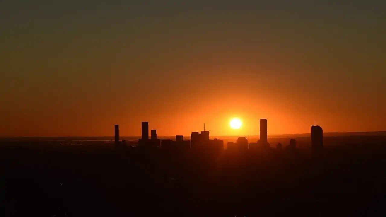 Cairns to Brisbane road trip - Sunrise at Mount Cootha