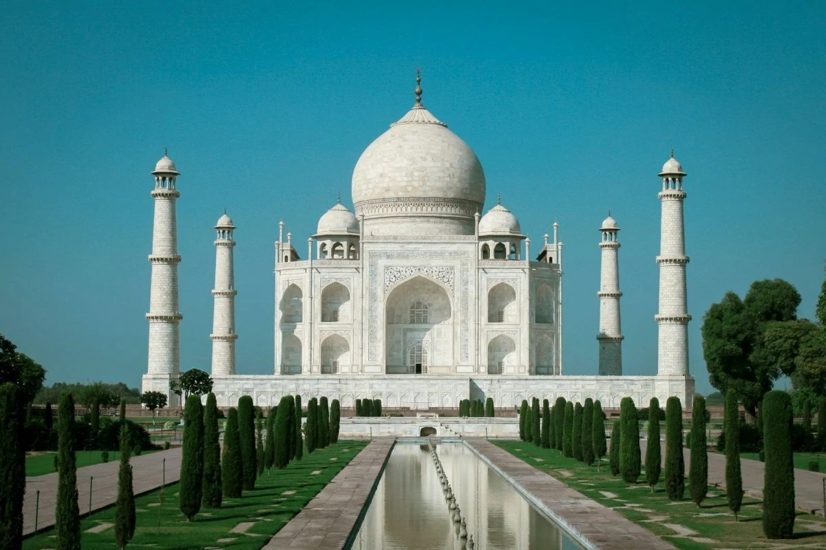 Books about wanderlust - Taj Mahal India