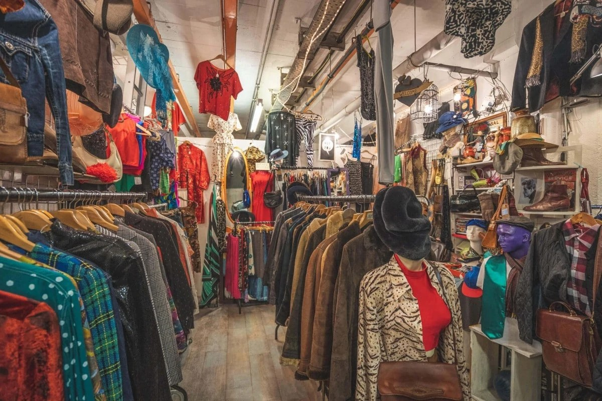 Non touristy things to do in London - Brick Lane Market