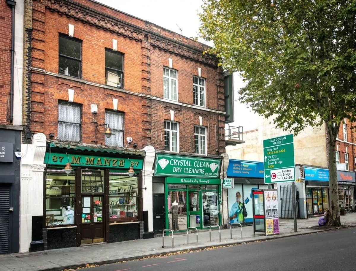 Non-touristy things to do in London - Manzes Pie and Mash