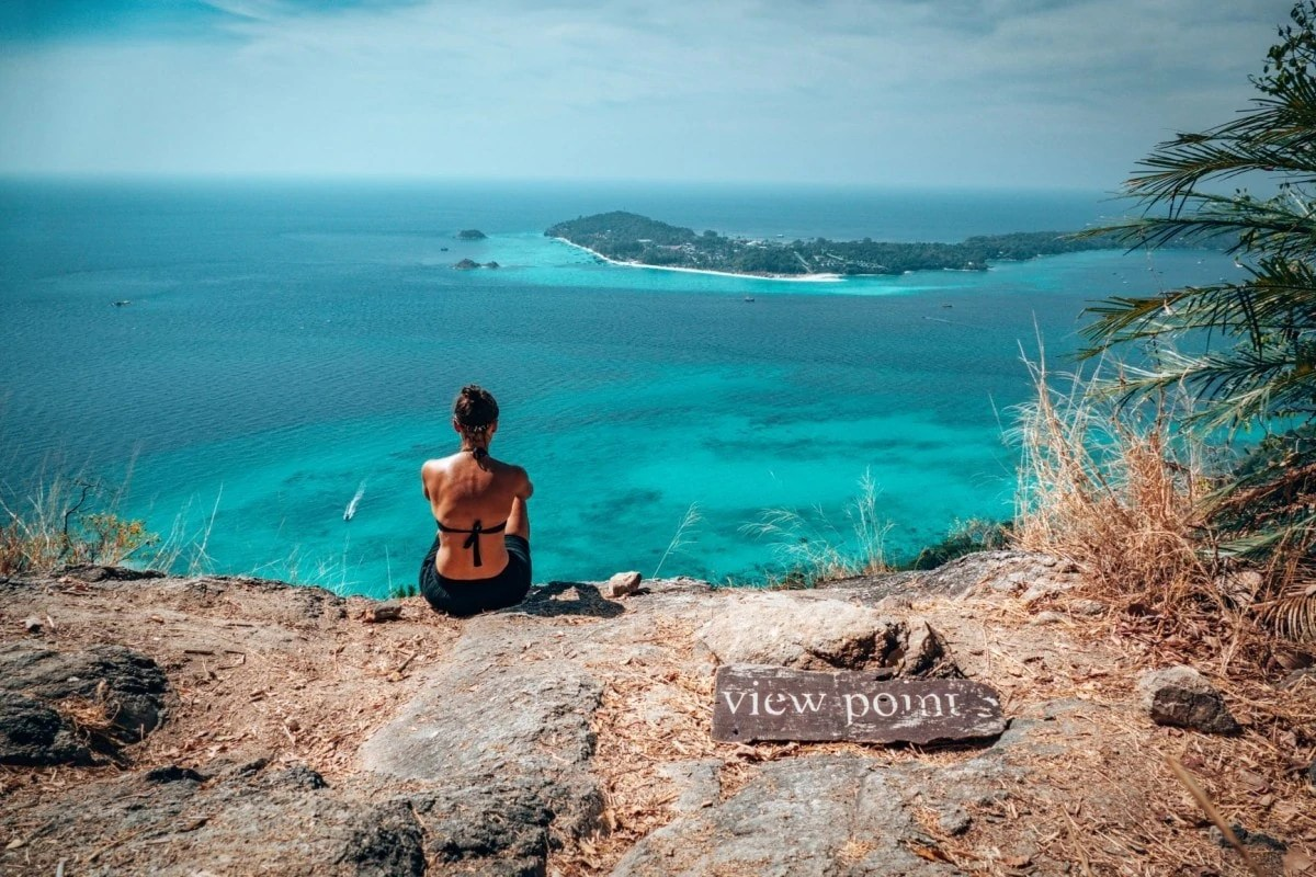Hidden Gems in Thailand - this hike on Koh Adang