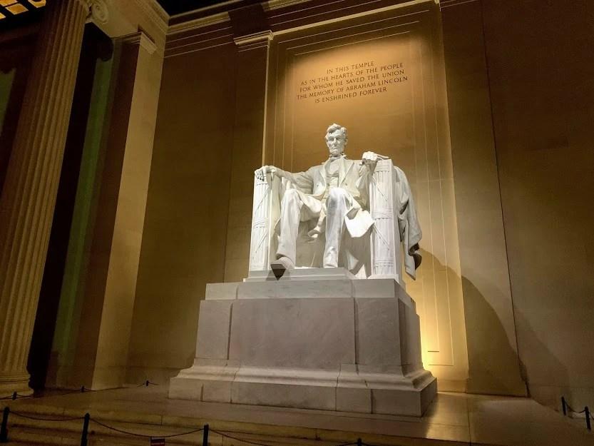 Landmarks in America - Lincoln Memorial