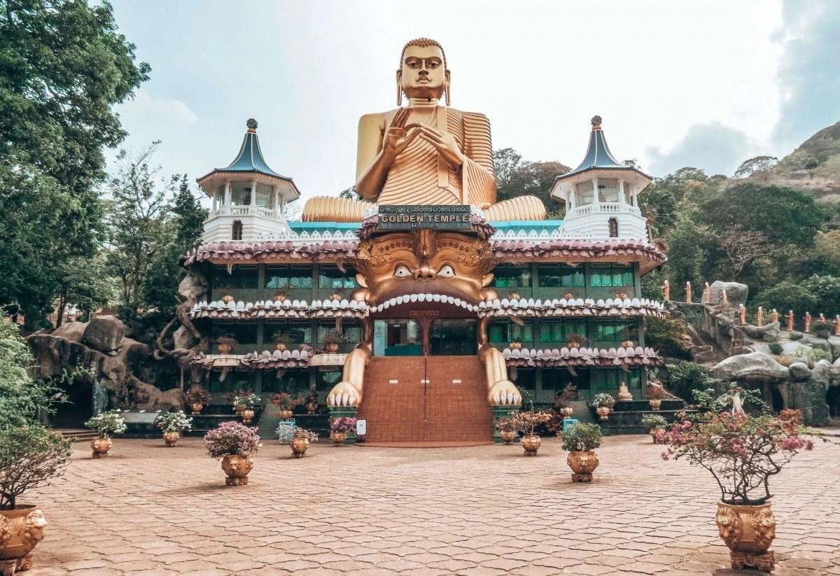 Landmarks in Sri Lanka - Golden Temple Dambulla