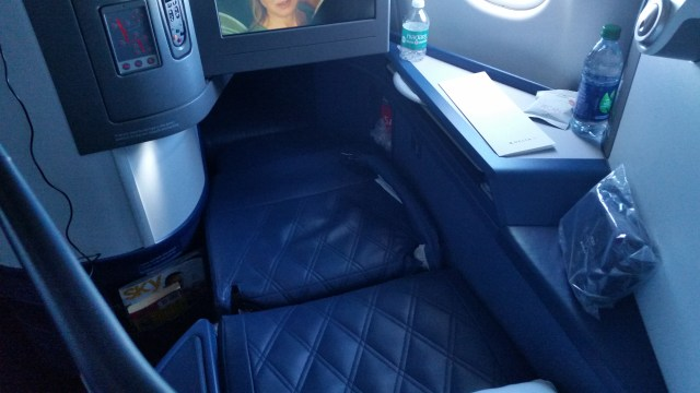 delta lie flat seats to Hawaii