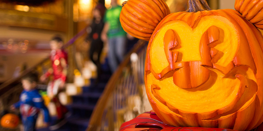 DCL halloween2