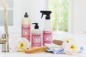 grove collaborative cruelty-free cleaning products gift set