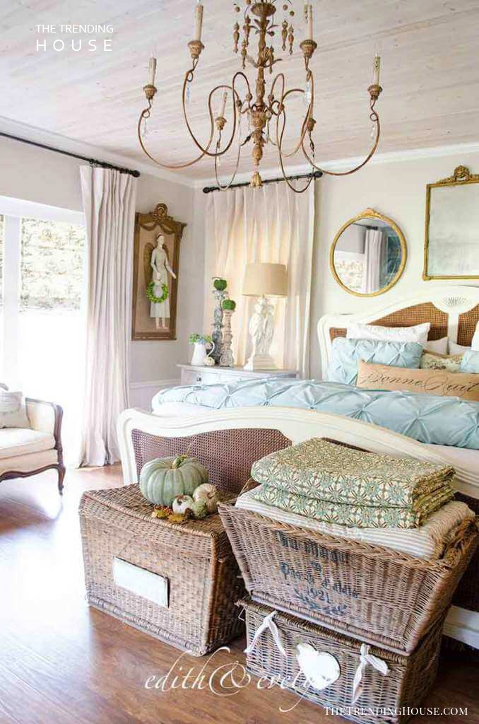 25+ Romantic Bedroom Decor Ideas to Make Your Home More ... on Luxury Bedroom Ideas On A Budget  id=60104