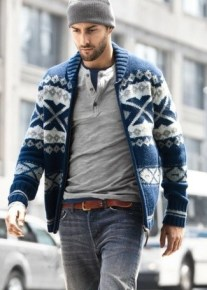 zip-sweater-and-henley-shirt-and-crew-neck-t-shirt-and-belt-and-jeans-and-beanie-large-1538