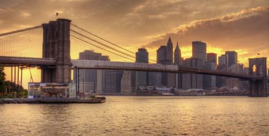 Brooklyn-Bridge-and-Lower-Manhattan-skyline-in-New-York-City-NY.jpg