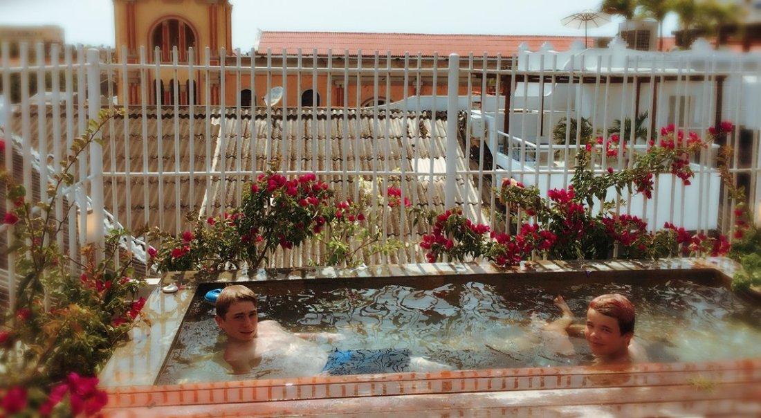 Mini pool r