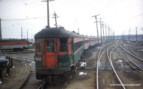 CNS&M 747 heads up a Chicago Limited.