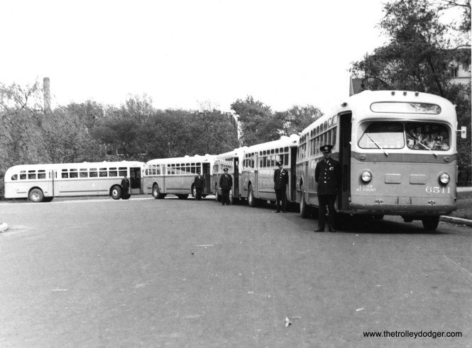 CSL 6511 and other TDH 4506's in Garfield Park.