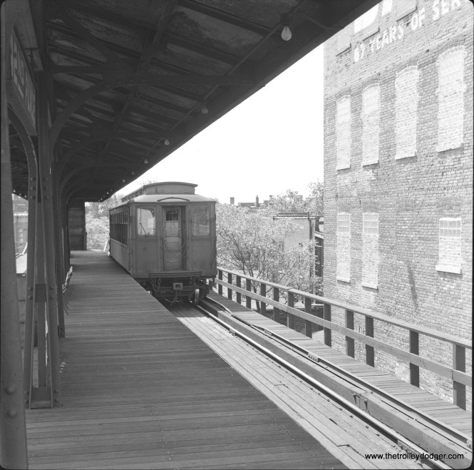 A Kenwood shuttle car at 42nd Place terminal on June 12, 1957. November 30 was the last day of service on this branch. (Lawrence H. Boehuring Photo)