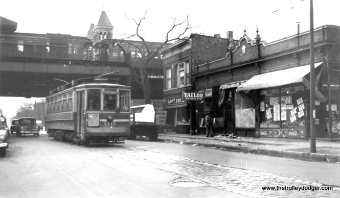 "CSL 1415 near the Webster ""L"" station, on the Webster-Racine streetcar line. (Joe L. Diaz Photo)"