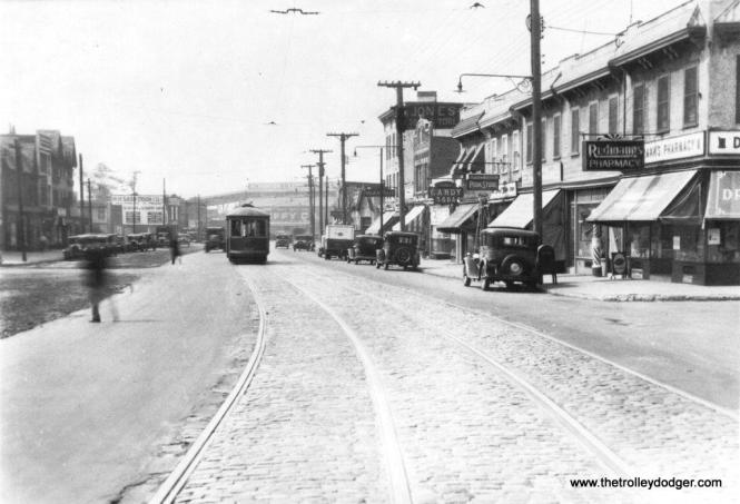 Jamaica Avenue in 1932. (Trolley Museum of New York Collection)