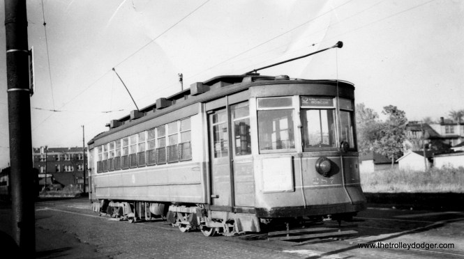 """CSL 287 on route 52, Kedzie-California. (John Buff Photo) Andre Kristopans: """"287 looks like Kedzie at Marquette. Note trolley wire tensioners behind car that would indicate near a terminal."""""""