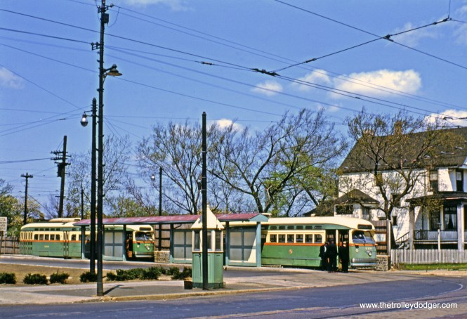 CTA 4409 and 4390 at the beautifully landscaped Western-Berwyn loop on May 13, 1950. (John D. Koschwanez Photo, John F. Bromley Collection)