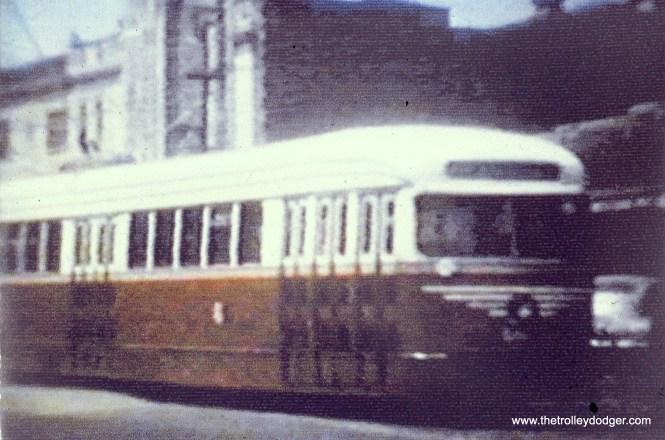 CSL 4010 in experimental colors, near the State Theater (5814 W. Madison). (John Marton Collection)