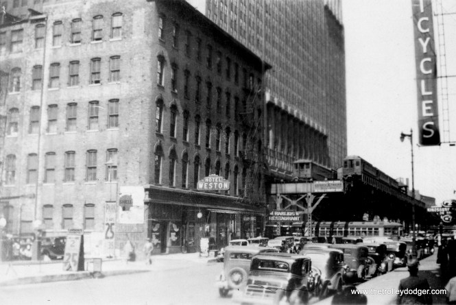 """A rare photo of the old Market Street stub terminal, where some Lake Street """"L"""" trains terminated in the days before A/B """"skip stop"""" service. It was torn down in the late 1940s. (George Trapp Collection)"""