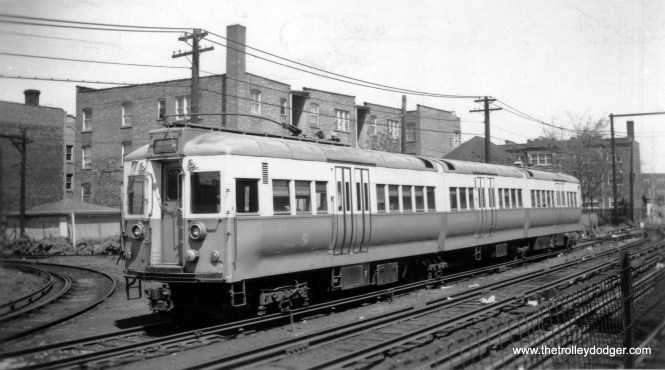 CTA articulated 5004 at Lawrence and Kimball. This predates when the four cars in this series were retrofitted with pan trolleys and assigned to the Skokie Swift. (Edward Frank, Jr. Photo, George Trapp Collection)