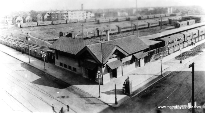 The Ravenswood terminal at Lawrence and Kimball in CRT days. (George Trapp Collection)