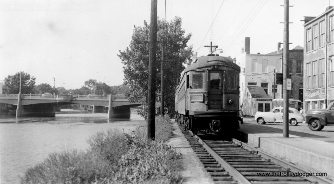 """CA&E 426 at the Elgin terminal. Although this was the """"Great Third Rail,"""" overhead wire was used here."""
