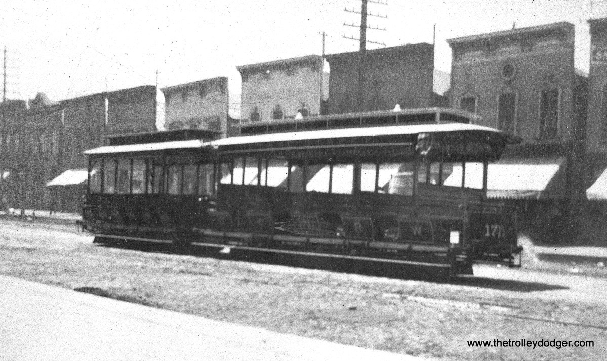 Chicago City Railway cable cars 1251 and 1711 on State near 39th Street on May 20, 1893.