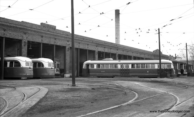Here is a nice side view of CSL 4005 at Kedzie Station (car barn). At this time, the 83 Prewar PCCs were assigned to Route 20 - Madison.